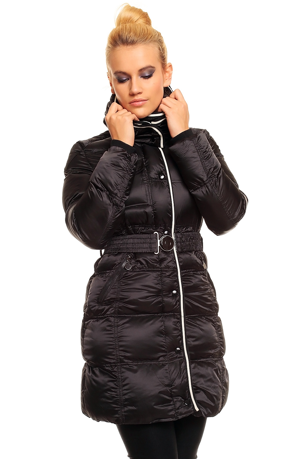 Černá zimní dlouhá dámská bunda s páskem  c8e72ddb1cb